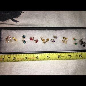 Jewelry - EUC STUD EARRINGS